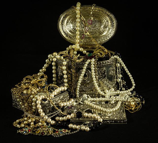 Treasure, Jewels, Pearls, Gold, Silver, Costume Jewelry