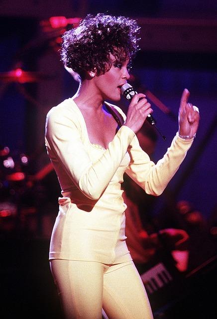Whitney Houston, Singer, Entertainer, Singing