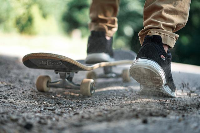 Skateboard, Shoes, Active, In The Free