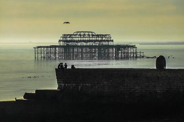 Brighton, Skeleton, Sea