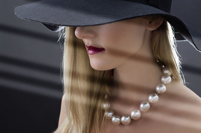 Woman, Hat, Pearls, Blonde, Hede Eyes, Face, Skin