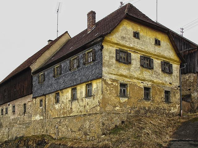 Old House, Farmhouse, Ailing, Building, Slate, Roof