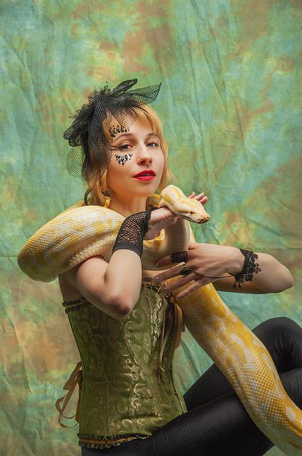 Python, The Trainer, Snake, Serpentarium, Circus