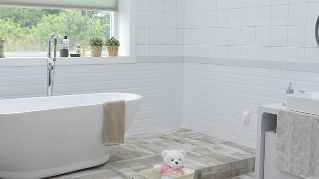 Bathroom, Window, Space, Tub