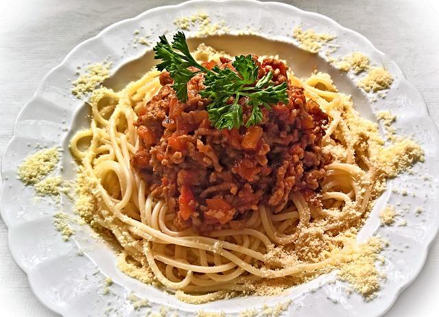 Spaghetti Bolognese, Italian Court