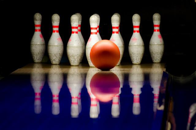 Bowling, Pins, Ball, Playing, Alley, Sport