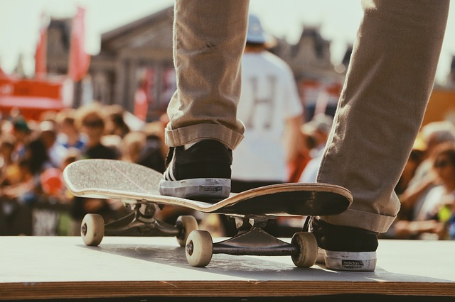 Skateboard, Games, Sports, People, Crowd, Men, Stage