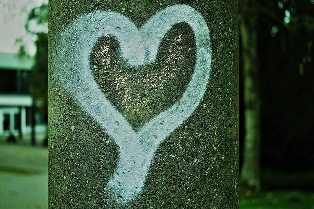 Heart, Graffitti, Paint, Wall, Sprayer, Facade