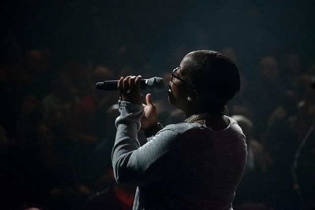 Dark, Night, Stage, Concert, People, Woman, Singing