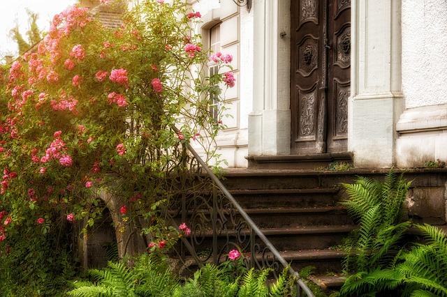 Input, Stairs, Romantic, Goal, Gradually, Door