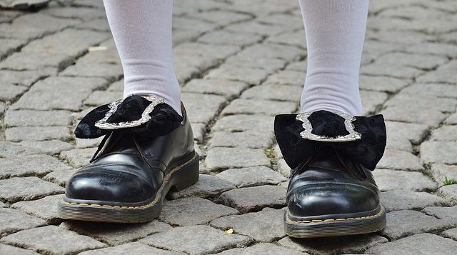 Shoes, Clothing, Footwear, Feet, Men, Man, Standing