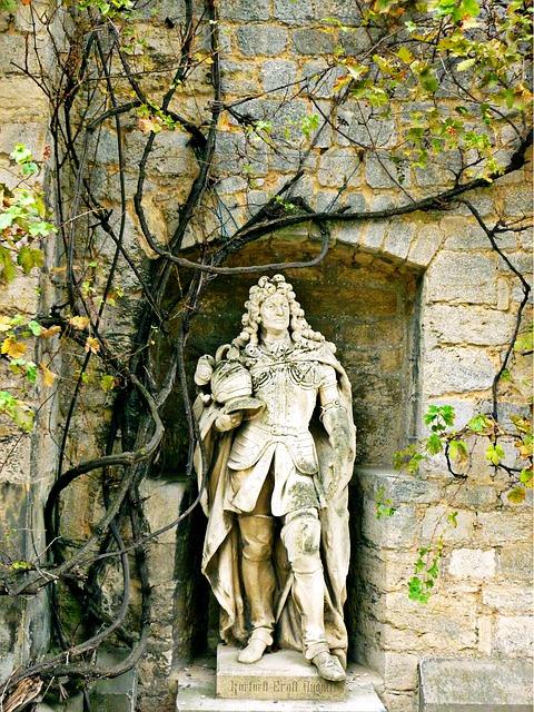 Stone Sculpture, Ernest Augustus, Statue