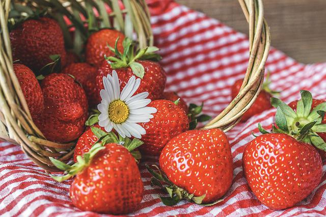 Strawberries, Ripe, Daisies, Still Life, Country House