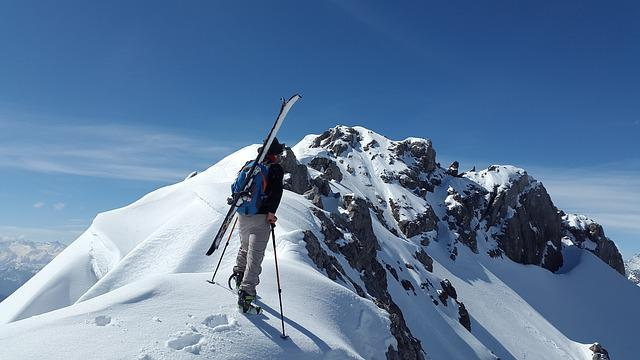 Backcountry Skiiing, Stone Kar Tip