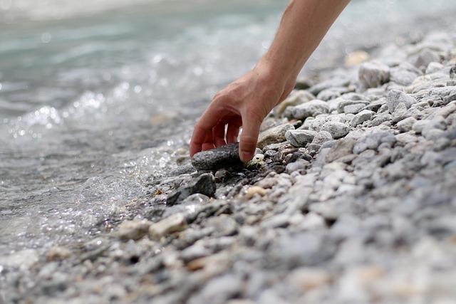 Stein, Hand, Stone, Water, Wasser, David, Goliath