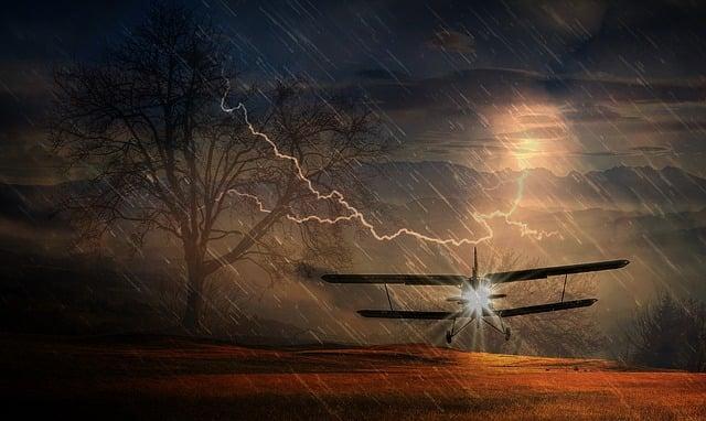 Aircraft, Emergency Landing, Storm, Flash, Forward
