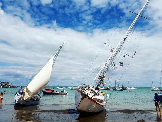 Boat, Ocean, Maree Basse, Sailboat, Sailing, Stranding