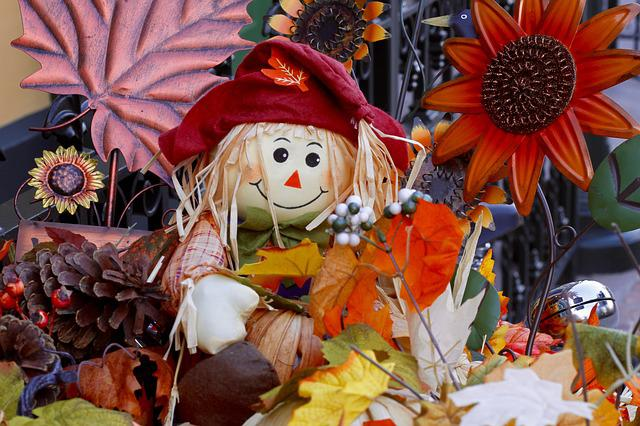 Thanksgiving, Straw Doll, Thanksgiving Dinner