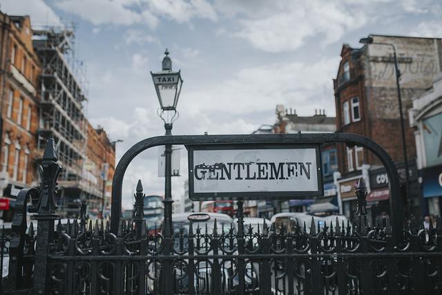 Gentlemen, Underground, London, Subway, Metro, England