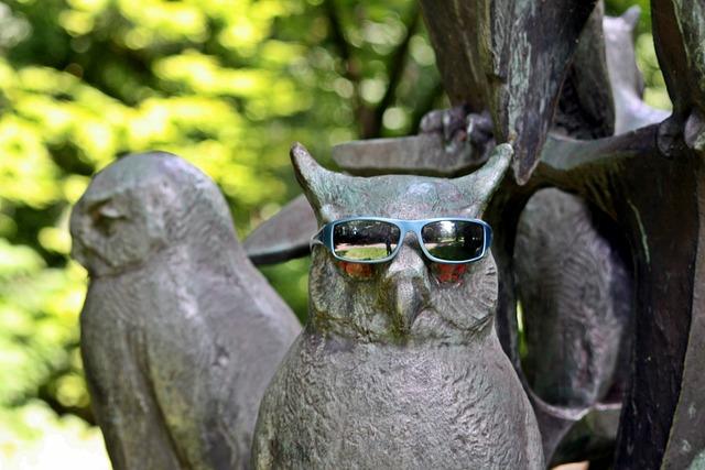 Sculpture, Owls, Sunglasses, Walk In The Park, Hamburg