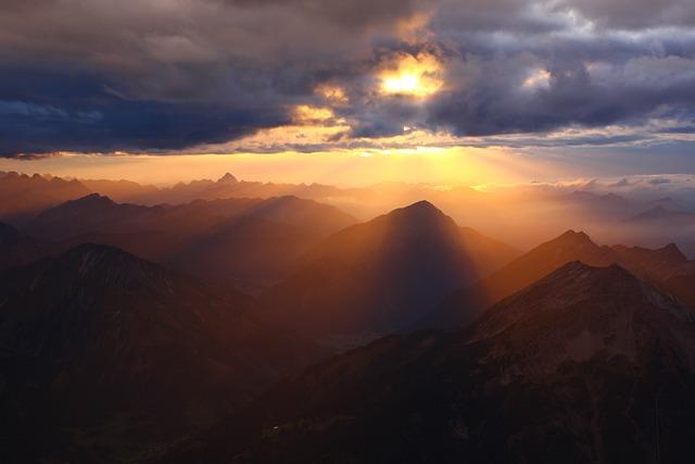 Mountains, Peak, Sunset, Sunlight, Sun Rays, Clouds