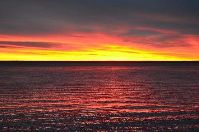 Vättern, Sunrise, Fire