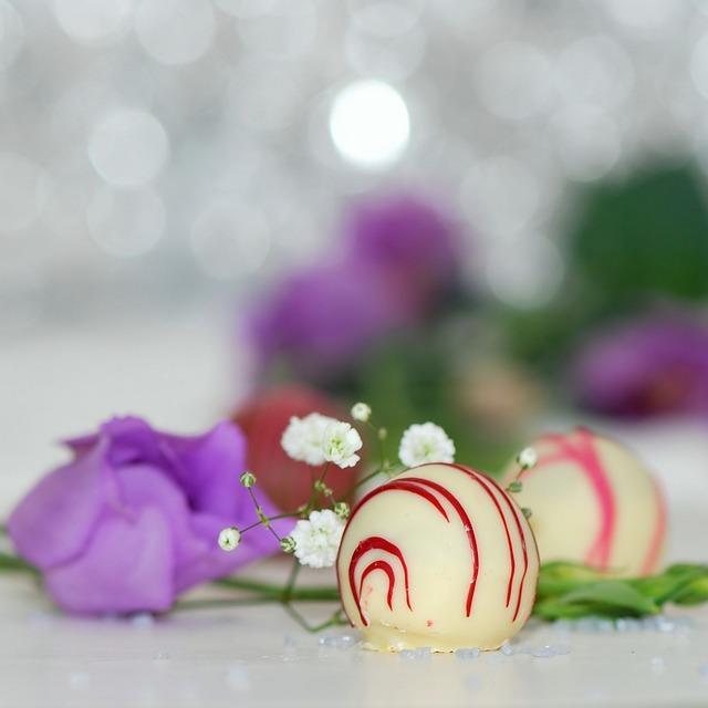 Praline, Chocolate, White Chocolate, Sweetness, Nibble