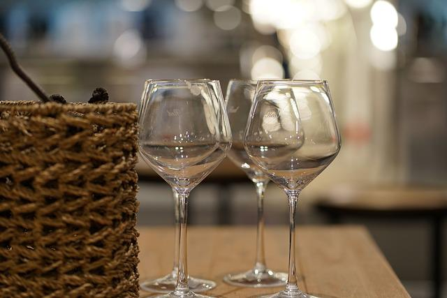 Wine Glass, Glass, Drink, Wine, Alcohol, Table, Basket