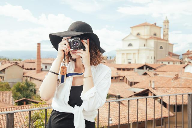 Photographer, Tourist, Snapshot, Taking Photos