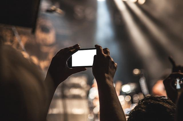 Smartphone, Movie, Taking Pictures, Audience