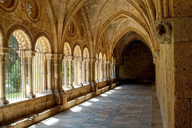 Rhaeto Romanic, Cloister, Monastery, Tarragona