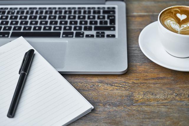 Computer, Laptop, Notebook, Pen, Table, Technology