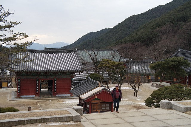 Temple, Hwaeomsa, Jiri