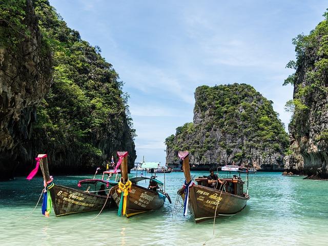 Thailand, Phuket, Koh Phi Phi, Island Tour
