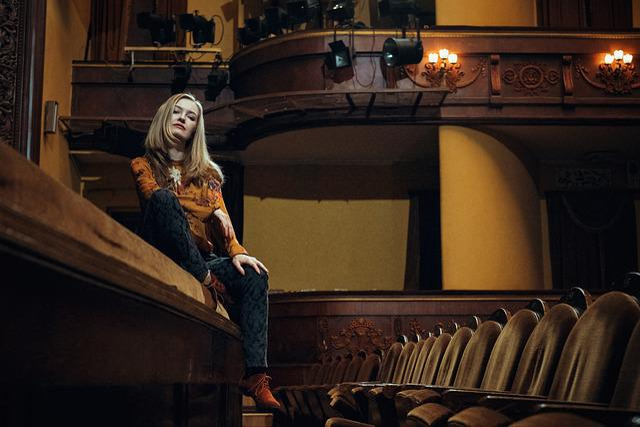 Girl, Blonde, Theatre, The Equator, Lodge, Seat