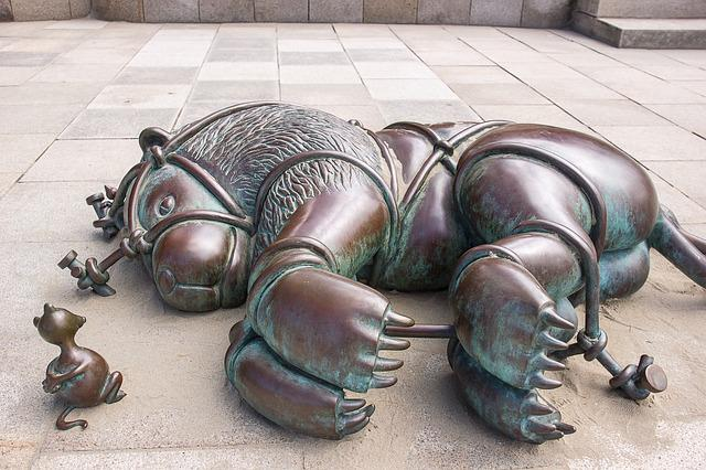 Bronze Statue, The Lion And The Mouse