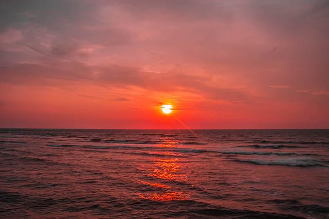 The Natural Scenery, Sunset, The Sea