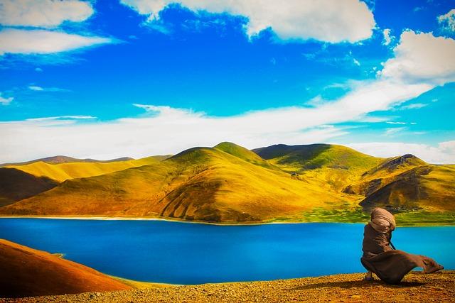 Theravada Buddhism, Nun Beside Lake, Tibet
