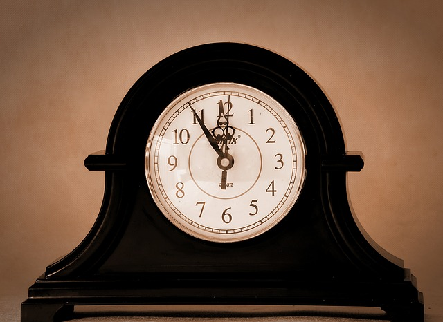 Clock, Old, Old Clock, Antique, Clock Shield, Tips
