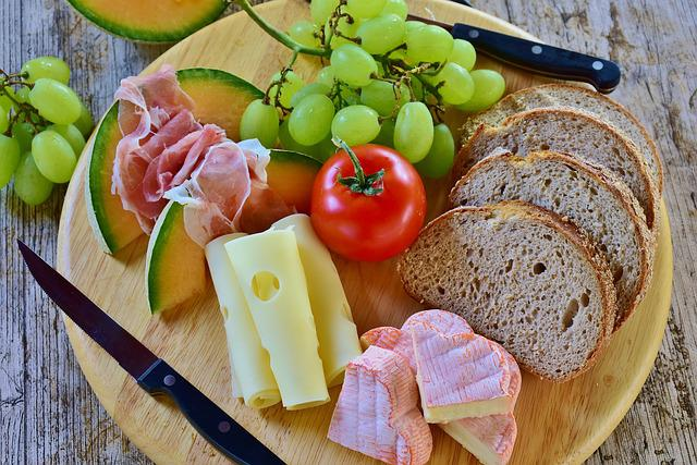 Bread, Snack, Cheese, Melon, Ham, Grapes, Tomatoes, Eat
