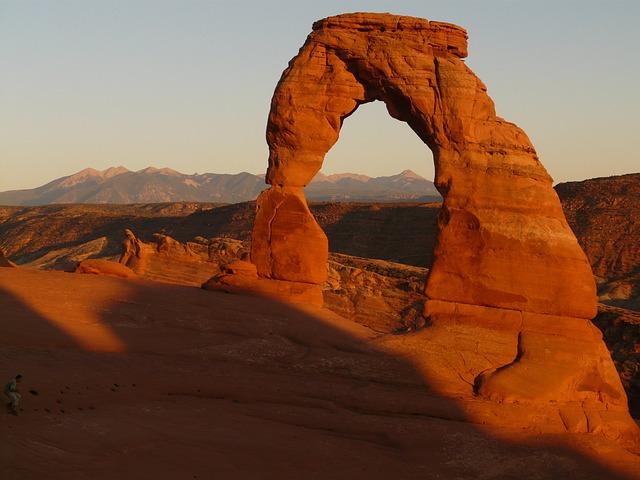 Sandstone, Landmark, Natural Arch, Tourist Attraction