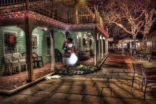 Snowman, Winter, Town, Urban, Christmas Decoration
