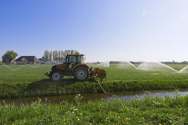 Tractor, Water, Agricultural Vehicle, Spraying