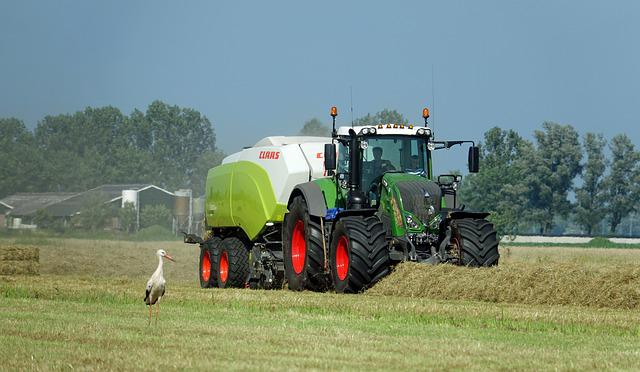 Tractor, Fendt, Hay, Grass, Bales, Baling, Countryside