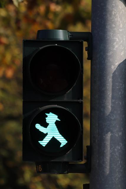Little Green Man, Traffic Lights, Green