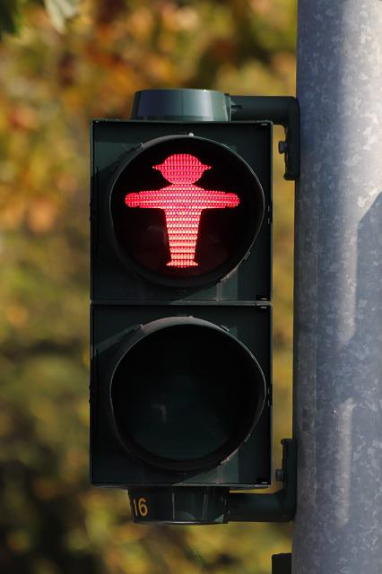 Little Green Man, Traffic Lights, Containing, Red