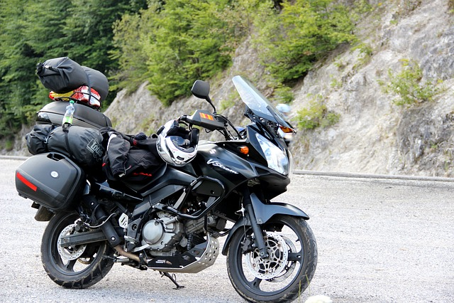 Motorcycle, Suzuki, Travel, Holidays, Stop, Nabaleno