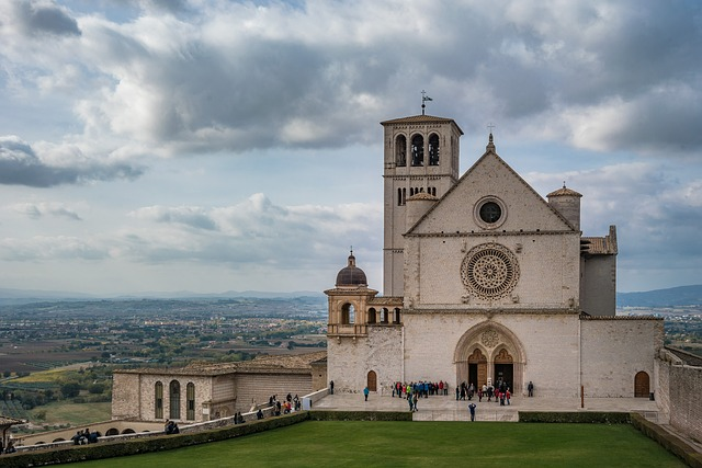 Architecture, Church, Sky, Religion, Travel, Tourism