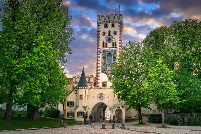 Architecture, Tree, Sky, Travel, Bayer Gate, Landsberg