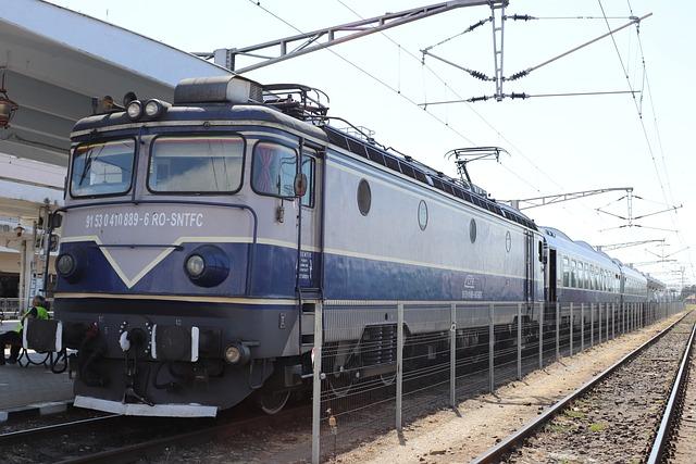 Cfr, Train, Tren, Locomotiva, Gara De Nord Timisoara